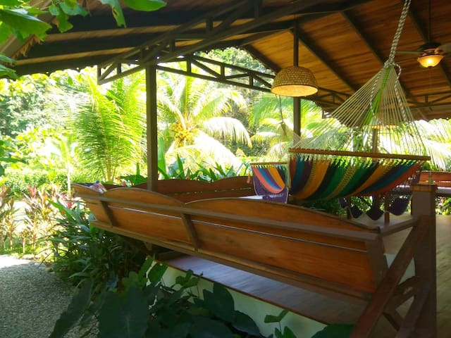☆ AMAZING VALUE ☆ Tropical Oasis Beach Bungalow ☆
