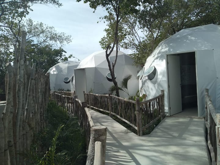 Geodesic Domes at Tulum jungle a step from beach