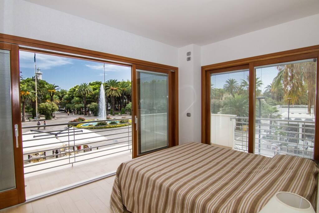 wohnung im zentralen bereich wohnungen zur miete in san benedetto del tronto marken italien. Black Bedroom Furniture Sets. Home Design Ideas