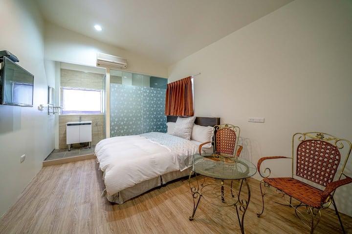 「全新」礁溪-家作旅宿-電梯2人房 Homemade-aparment-Double room