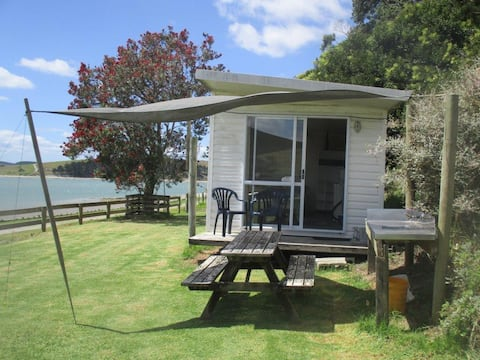 Waterfront retreat on the Kaipara Harbour