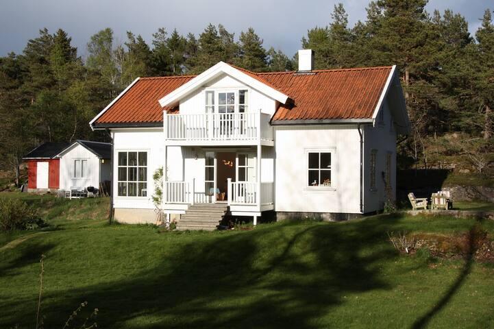 Landlig sjarm mot Hvalers skjærgård