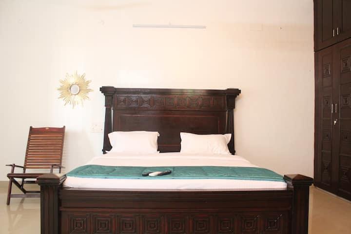 # Cozy Bedroom near Meenakshi temple, Madurai