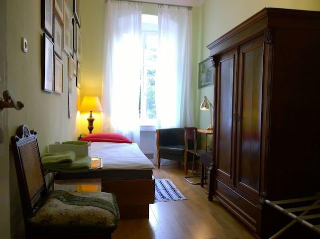 4 Gartenzimmer