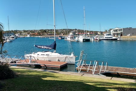 Waterfront Marina Town House - Port Lincoln