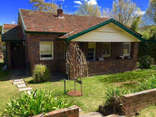 Coppin cottage southern highlands  sleeps 6 - Mittagong - บ้าน