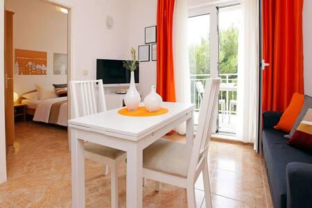 Sunny Apartment Adria 6, Bol - Bol
