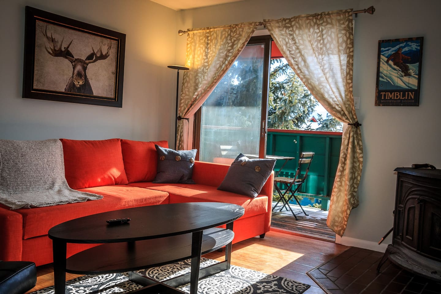 Enjoy our 2 bedroom 2 Bath Condo in the Heart of Summit County