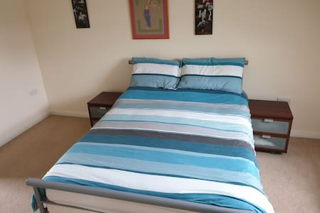 Large double room with en suite in detached house