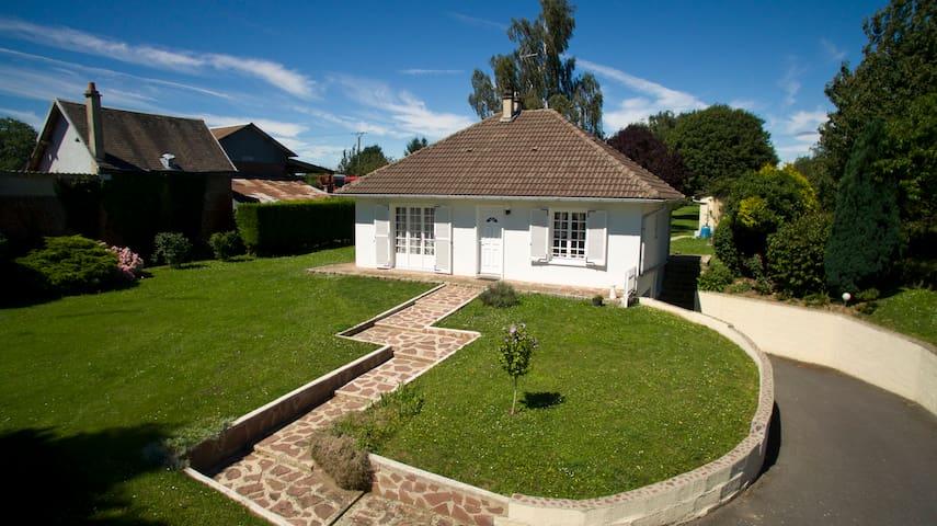 Maison de charme - jardin luxuriant - Caumont - Casa