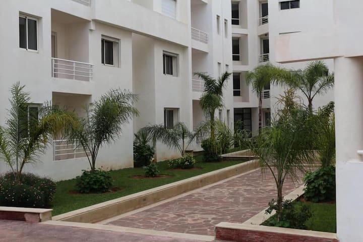 Appartement dans complexe avec piscine