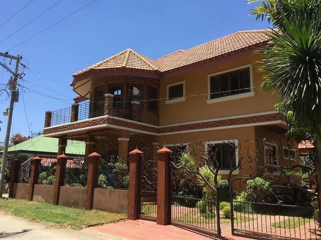 Casa Esmeralda (Beach House)