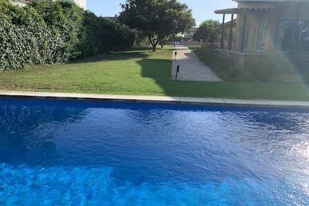 Suite privada independiente chalet, piscina&garaje