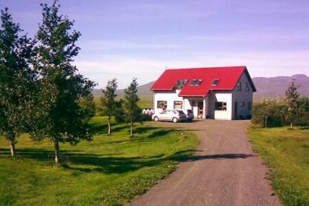A home stay on a beautiful farm. - Varmahlíð
