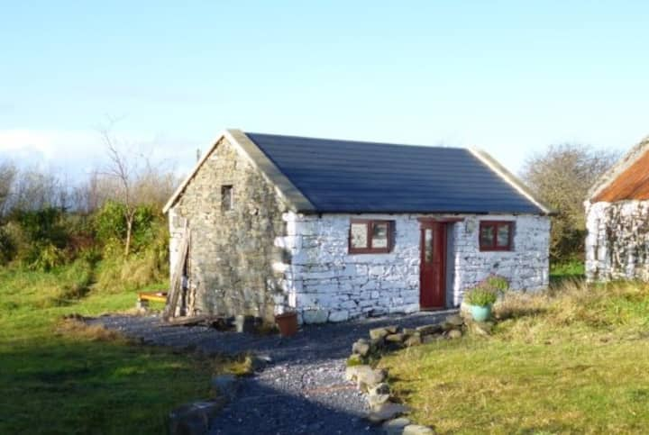 Self contained Irish cottage style studio for two