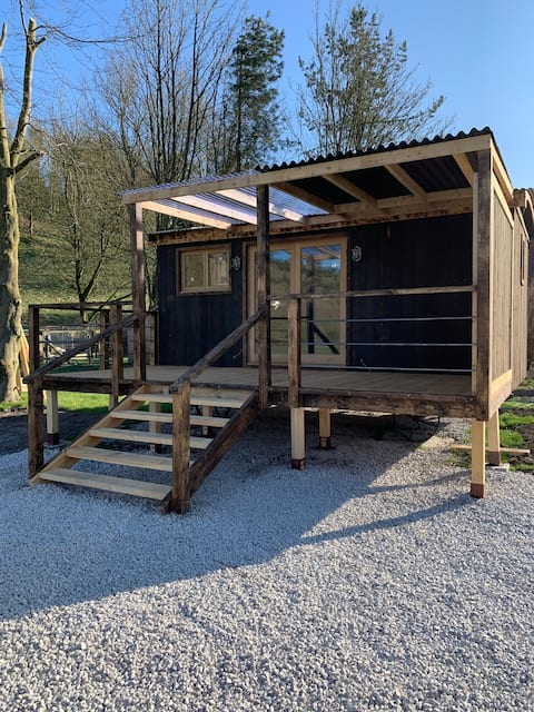 Country Huts on the Wolds - Wool Hut, sleeps 2