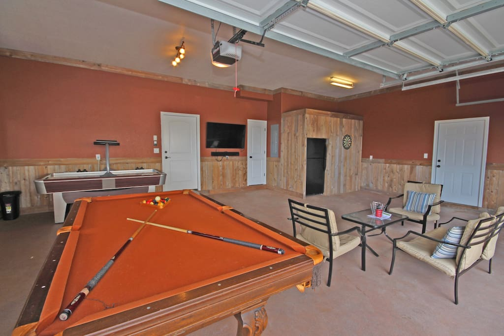 Fun Garage Game Area - Includes Pool Table, Air Hockey, and HDTV!