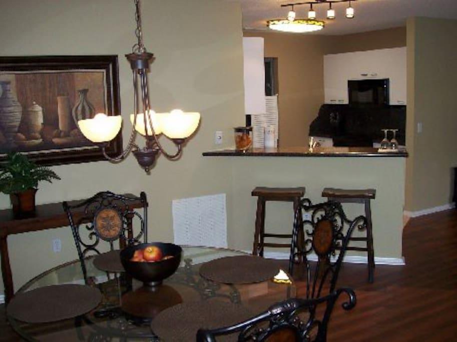 Breakfast Bar & Dining Room.