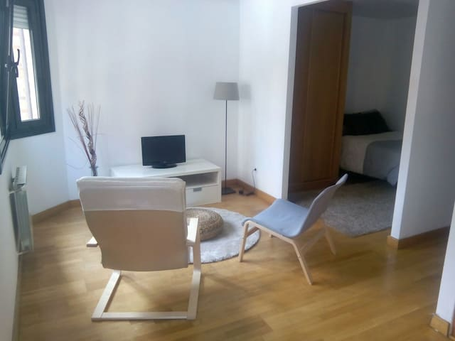 Estudio en Playa del Arbeyal - Gijón - Appartement