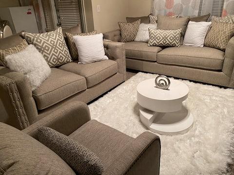 Cozy private room in DFW