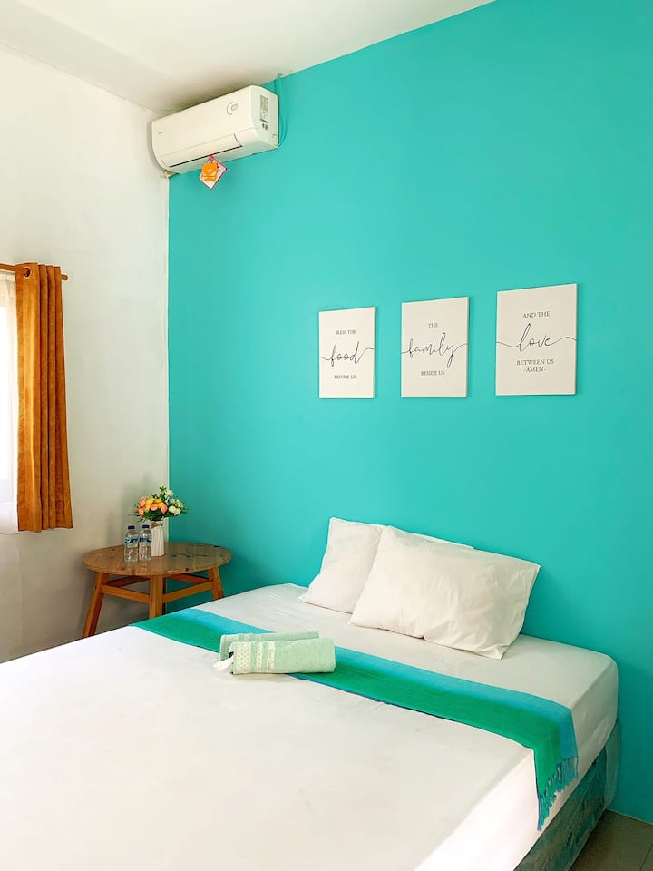 Cheap fun room in denpasar Bali (P)