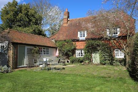 Idyllic 14th Century Listed Kentish Cottage - West Peckham - Dům