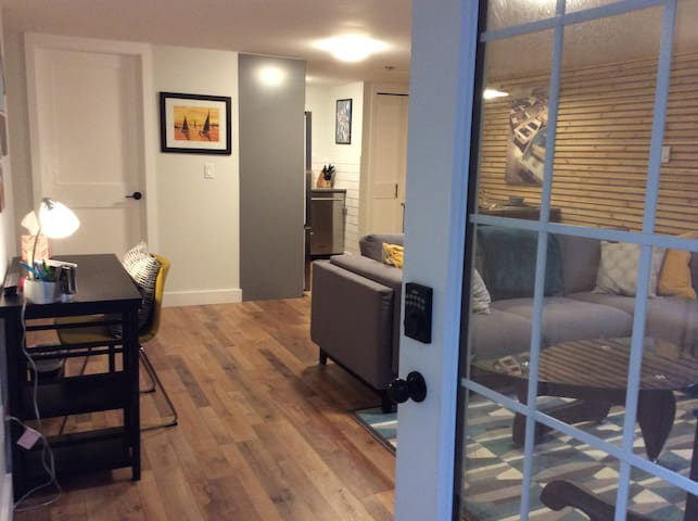 Newly Renovated Garden Suite - Vancouver - Casa