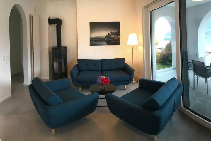 3-Zi-Wohnung mit atemberaubenden 180°-Seeblick