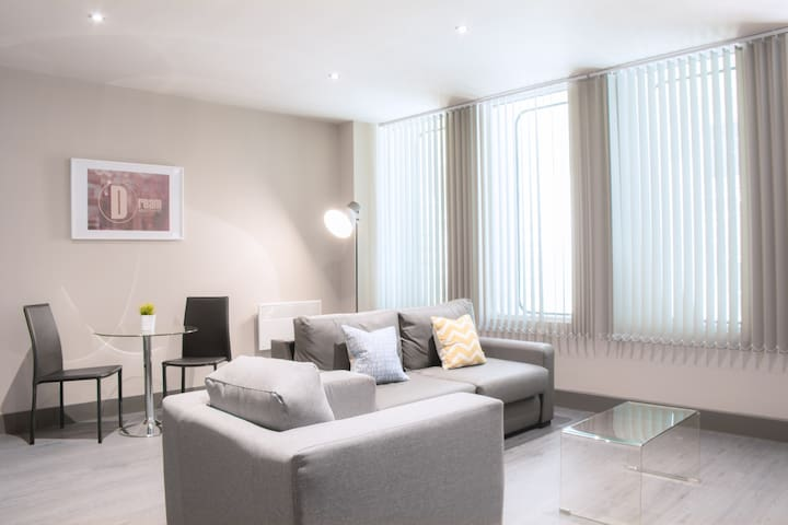 Beautiful One Bedroom Apartment Liverpool City
