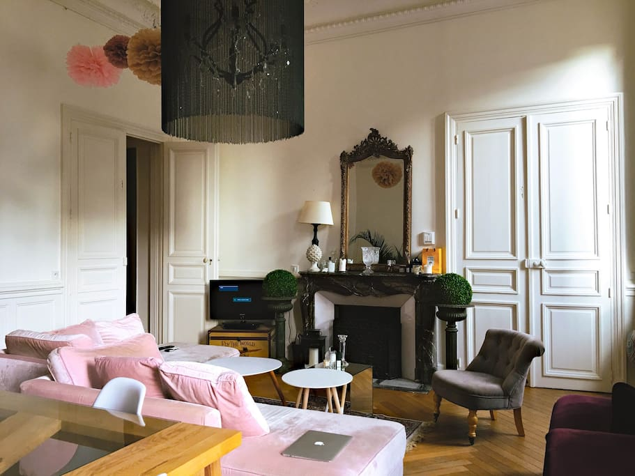 appartement haussmannien plein centre appartements louer dijon bourgogne franche comt. Black Bedroom Furniture Sets. Home Design Ideas