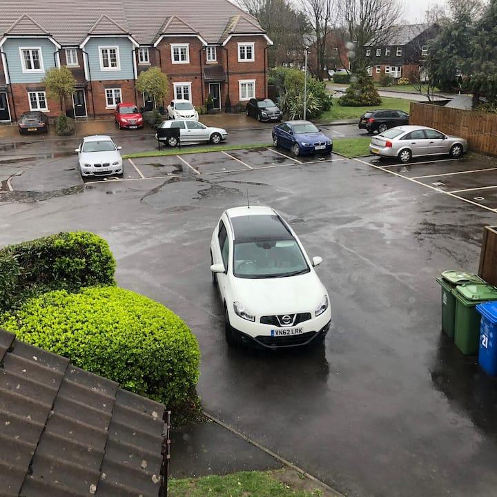 Hse for 4 , Parking, Maidenhead,Near Ascot Windsor