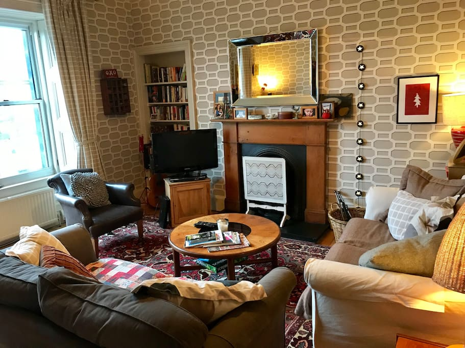Sitting room with tv freeview and dvd player.
