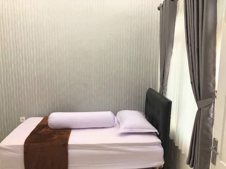 "LaWang Yogya - Parangtritis Room#1""near Malioboro"""