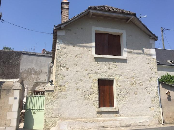 Maison ancienne entre la ville et les vignes