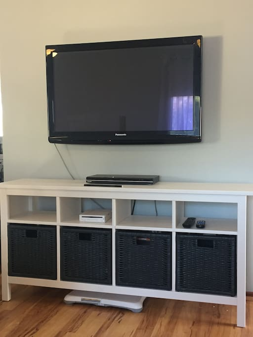TV and unit - upstairs lounge