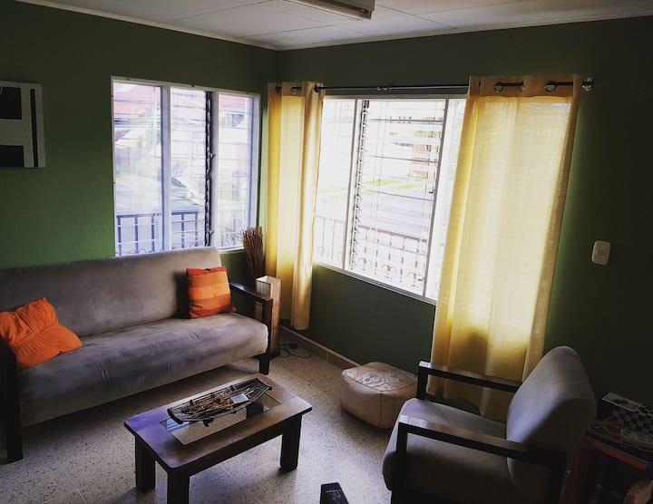Peaceful apartment in a Beautiful Neighborhood