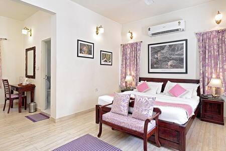 Pratap Bhawan Homestay mauve room - Jaipur