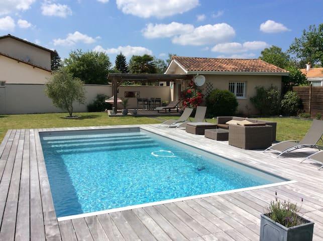 Maison St Loubés-Bordeaux 2/3 pers Jardin-Piscine