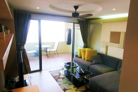 Modern 1 bed Condo, with Pool and nice City View! - Chiang Mai - Wohnung