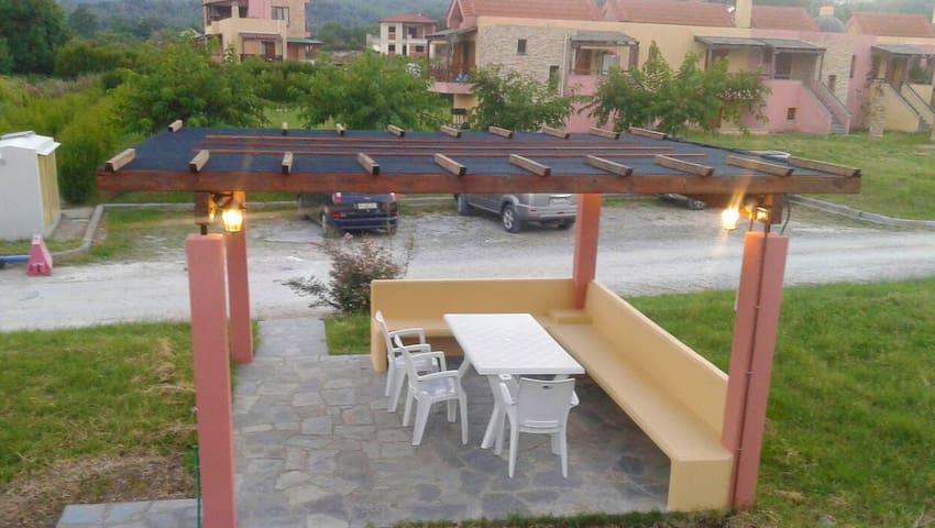 Modern beach house - Ierissos - บ้านพักตากอากาศ