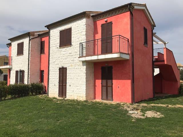 App. piano 1 in villaggio esclusivo a 200 mt mare - Numana - Apartment