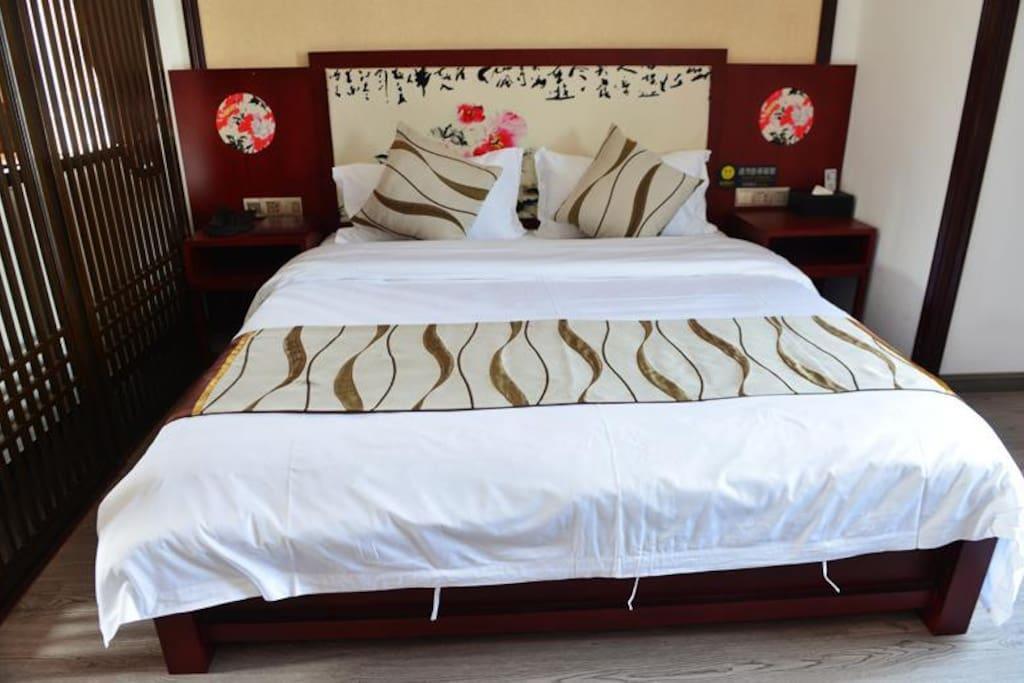 舒适的大床