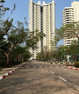 Beach front condo for rent - Sattahip