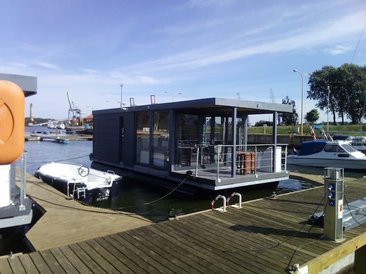 Porta Mare Houseboat Świnoujście