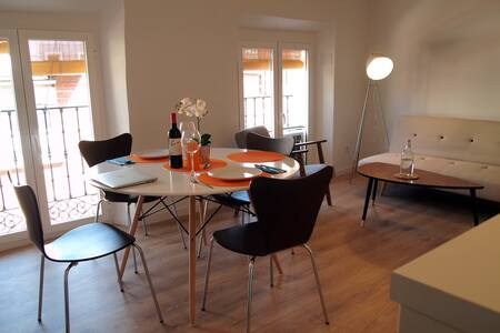 Cozy with Great location in La Latina!. Wifi, A/C. - Madrid - Pis
