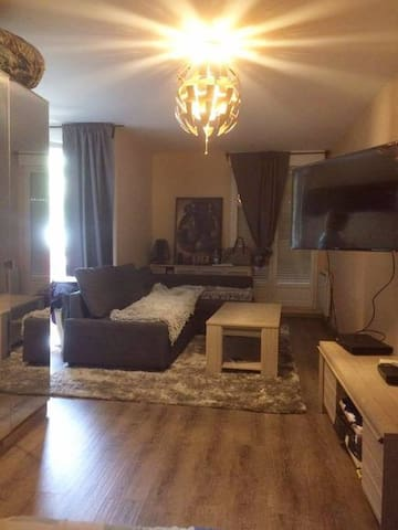 Appartement avec balcon et parking souterrain