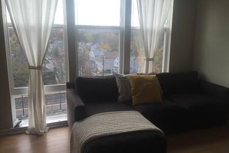 Gorgeous 1BR Apt Next to NYC Train - Bloomfield