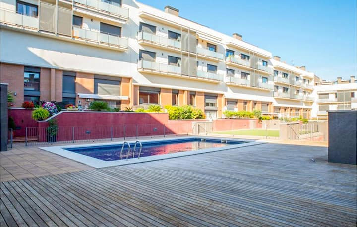 Nice apartment in Sant Feliu de Guíxol with Outdoor swimming pool and 2 Bedrooms