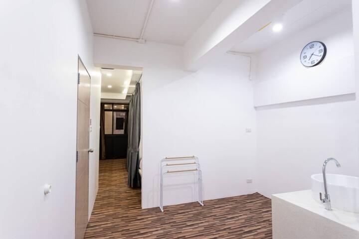 1.Female  Mixed Dorm Room