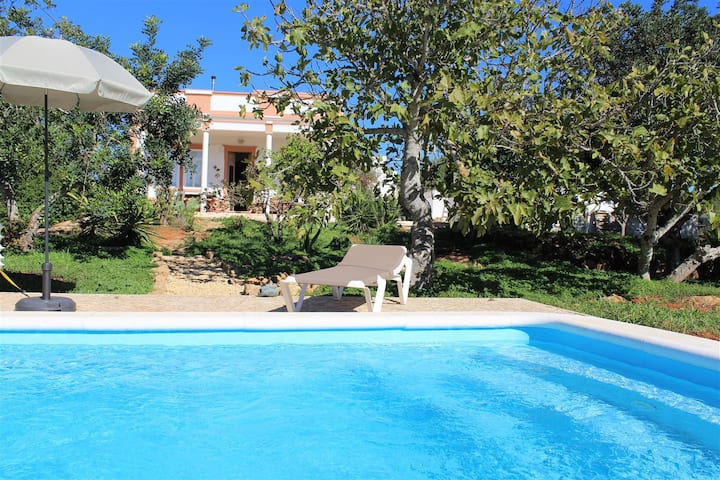 Beautiful 3-bed Quinta with pool near the coast
